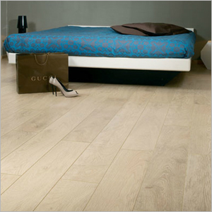 Discount carpet outlet laminate flooring warrngton for Laminate flooring outlet